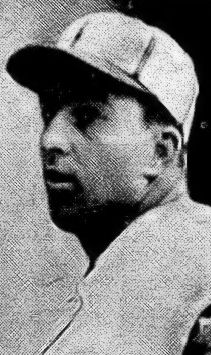 Hooks Iott with San Antonio in 1946